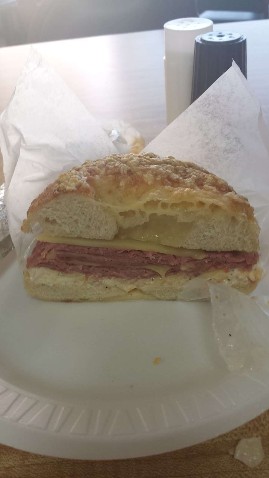 New York Bagelry - bakery  | Photo 10 of 10 | Address: 150 Kenhorst Plaza, Shillington, PA 19607, USA | Phone: (610) 775-8423