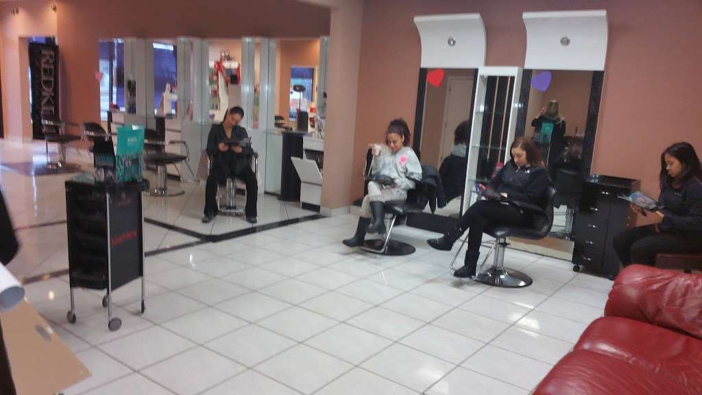 Savi Hair Studio - hair care  | Photo 1 of 6 | Address: 7508 W Grand Ave, Elmwood Park, IL 60707, USA | Phone: (708) 452-7203