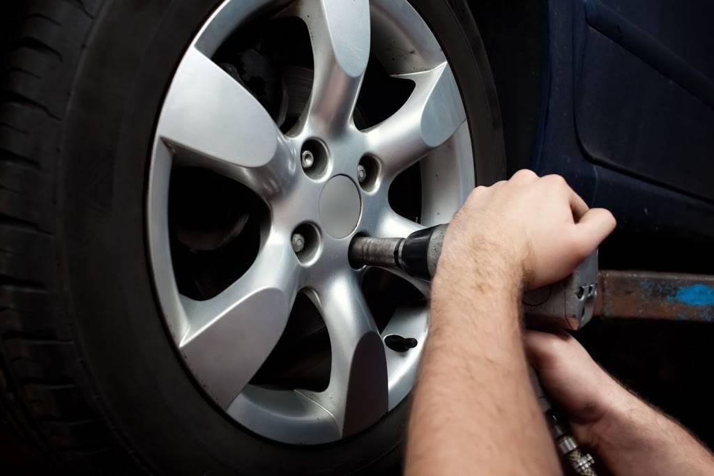Raaker Tire Service - car repair  | Photo 7 of 9 | Address: 1002 Park Ave, Newport, KY 41071, USA | Phone: (859) 292-0224