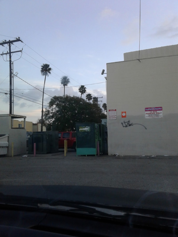 Top Spin Laundromat - laundry  | Photo 2 of 7 | Address: 3530 Saviers Rd, Oxnard, CA 93033, USA | Phone: (805) 486-5036