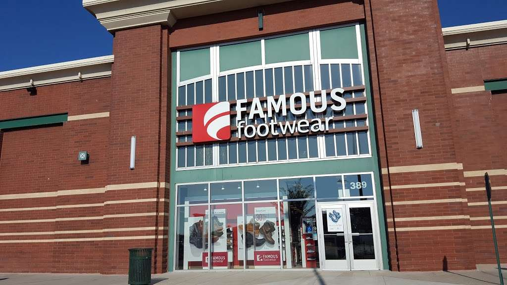 Famous Footwear - shoe store  | Photo 1 of 10 | Address: 389 Gateway Dr, Brooklyn, NY 11239, USA | Phone: (718) 306-5008