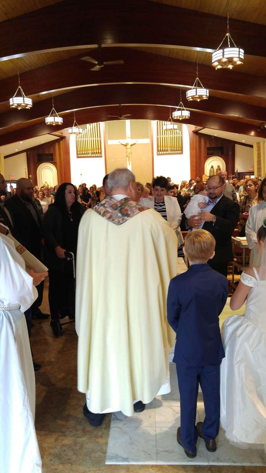 St. Margarets of Cortona Church - church  | Photo 5 of 10 | Address: 31 Chamberlain Ave, Little Ferry, NJ 07643, USA | Phone: (201) 641-2988