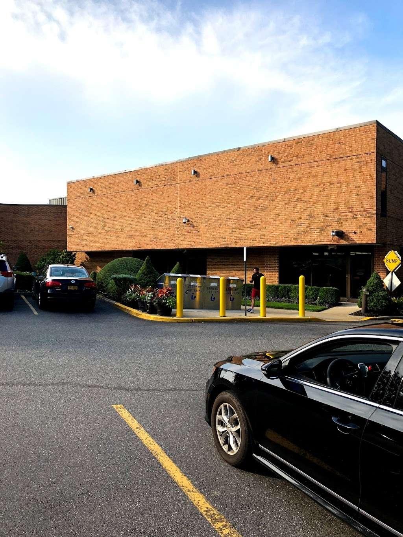Jericho Public Library - library  | Photo 9 of 10 | Address: 1 Merry Ln, Jericho, NY 11753, USA | Phone: (516) 935-6790