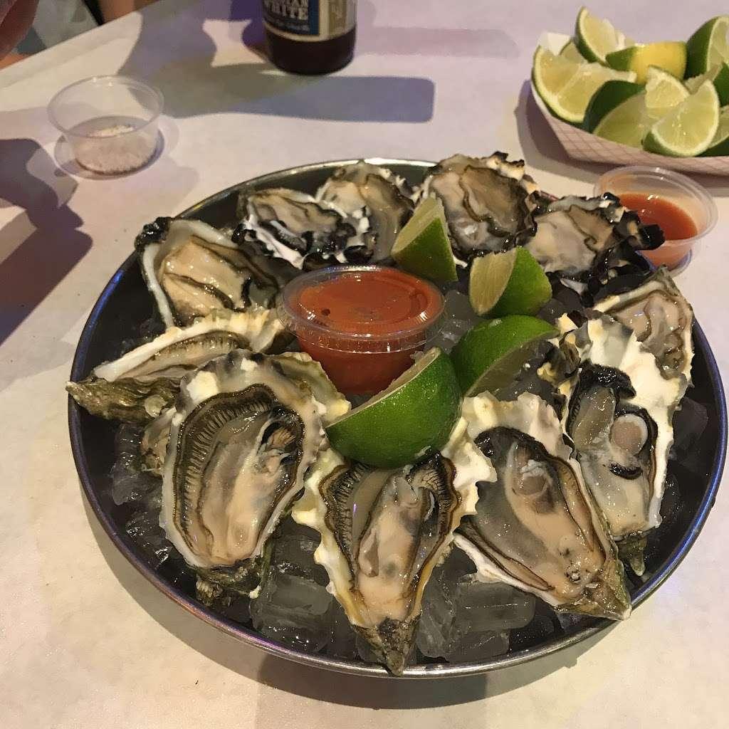The Kickin Crab - restaurant  | Photo 8 of 10 | Address: 8300 La Palma Ave A6, Buena Park, CA 90620, USA | Phone: (714) 828-8788