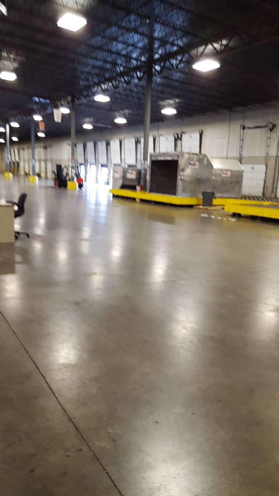 FedEx SmartPost - moving company  | Photo 5 of 8 | Address: 8951 Mirabel Rd, Indianapolis, IN 46241, USA | Phone: (800) 463-3339