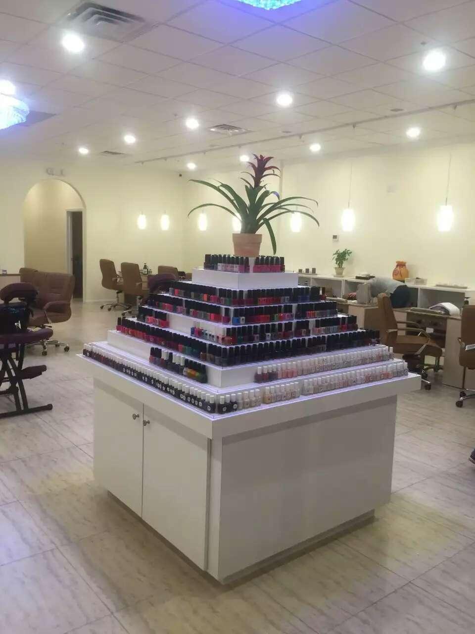 Royal Beauty Nails and Spa - hair care    Photo 5 of 9   Address: 1911, 461 US-46, Fairfield, NJ 07004, USA   Phone: (973) 227-1113
