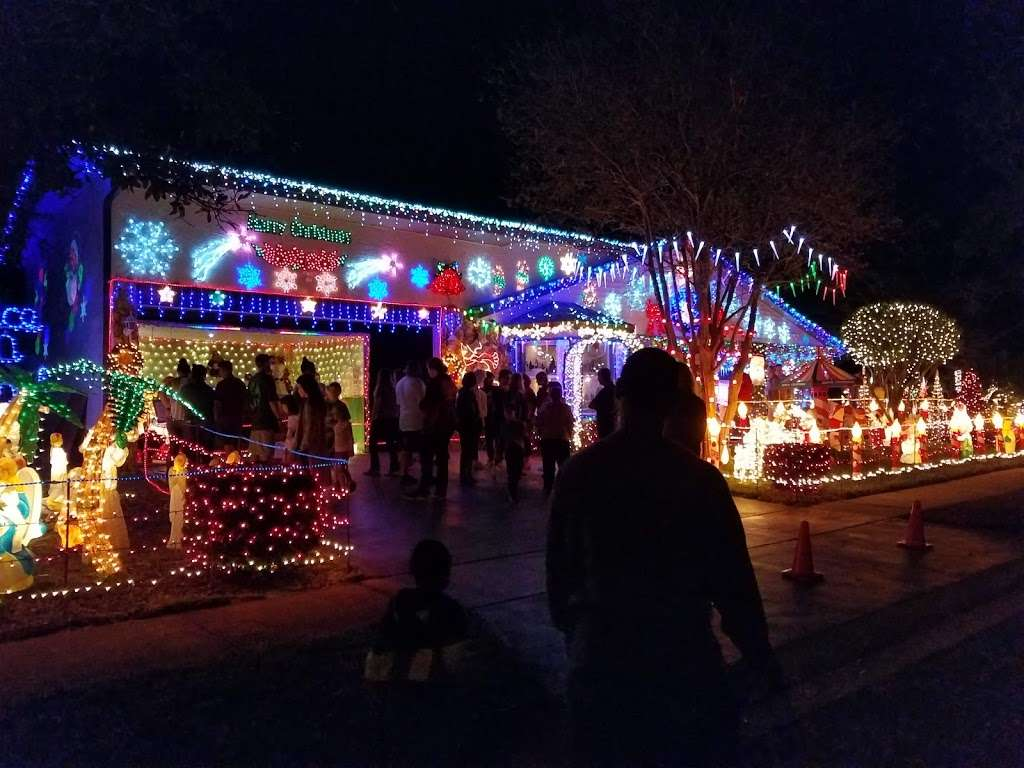 Rob and Bettys Christmas Light Display - lodging  | Photo 10 of 10 | Address: 5651 Garden Grove Cir, Winter Park, FL 32792, USA