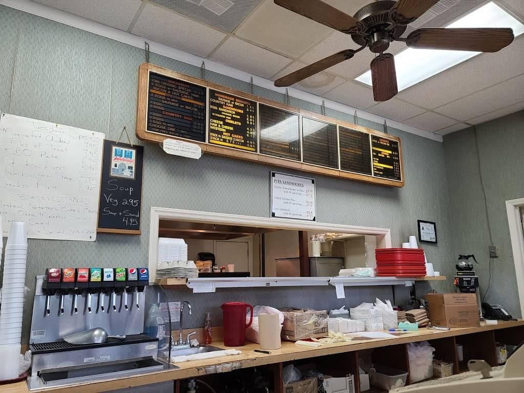 York Crossing Restaurant - restaurant  | Photo 3 of 9 | Address: 2301 Westinghouse Blvd # 8, Charlotte, NC 28273, USA | Phone: (704) 588-5444
