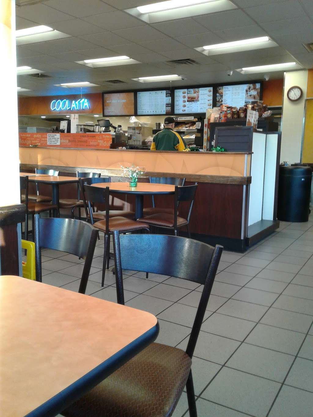 Dunkin Donuts - cafe  | Photo 8 of 10 | Address: 3804 Kirkwood Hwy, Wilmington, DE 19808, USA | Phone: (302) 998-1600