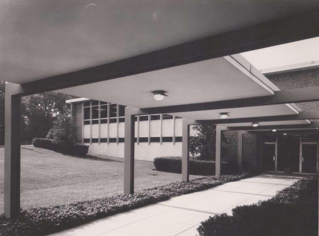 Hyattsville Branch Library, PGCMLS - library  | Photo 6 of 10 | Address: 6502 America Blvd, Hyattsville, MD 20782, USA | Phone: (301) 985-4690
