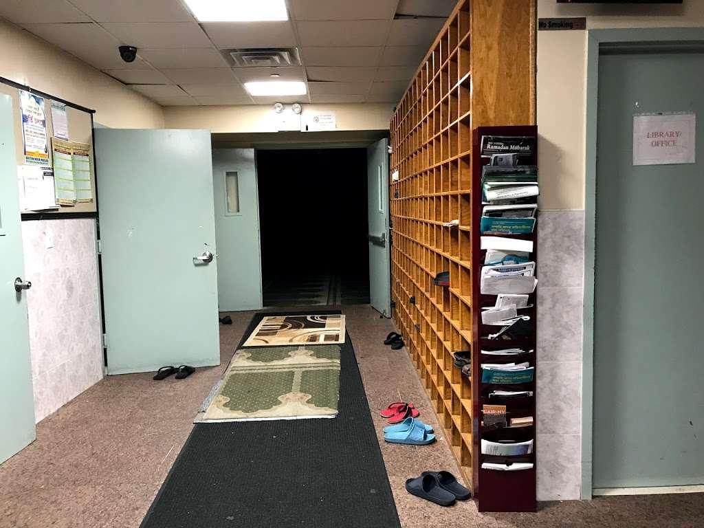 Baitul Mamur Masjid & Community Center - mosque  | Photo 1 of 10 | Address: 1033 Glenmore Ave, Brooklyn, NY 11208, USA | Phone: (718) 437-5702