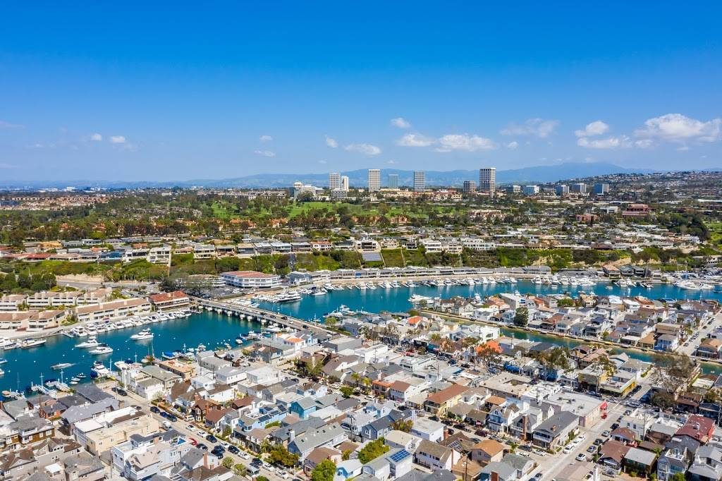 Luxury Real Estate - real estate agency  | Photo 1 of 10 | Address: 208 Marine Ave, Newport Beach, CA 92662, USA | Phone: (949) 607-8122