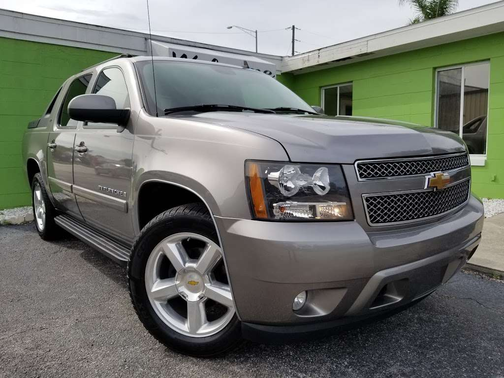 Caesars Auto Sales - car dealer    Photo 5 of 10   Address: 975 N US Hwy 17 92, Longwood, FL 32750, USA   Phone: (407) 695-1449