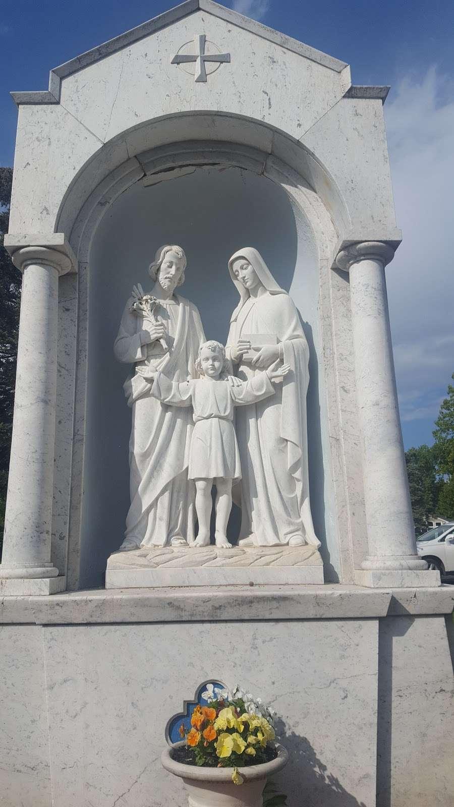 Saint Alphonsus Catholic Church - church  | Photo 2 of 10 | Address: 33 Conwell Dr, Maple Glen, PA 19002, USA | Phone: (215) 646-4600