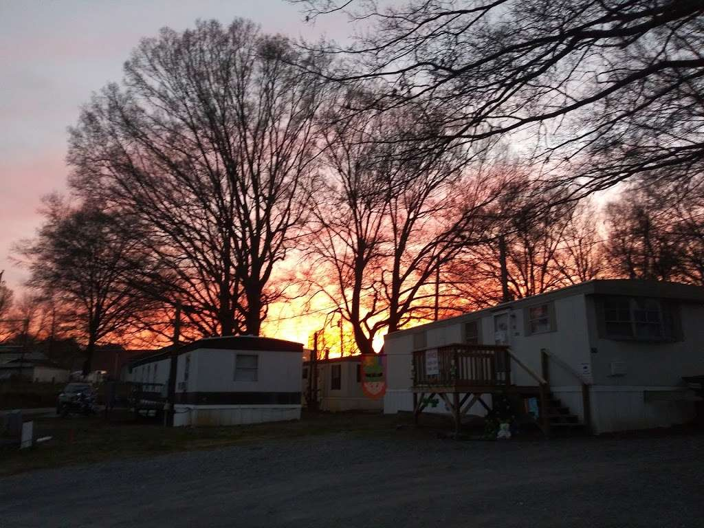 Pines Mobile Home Park - rv park  | Photo 2 of 3 | Address: 212 Stacey Tucker Cir, Gastonia, NC 28056, USA | Phone: (704) 864-5964