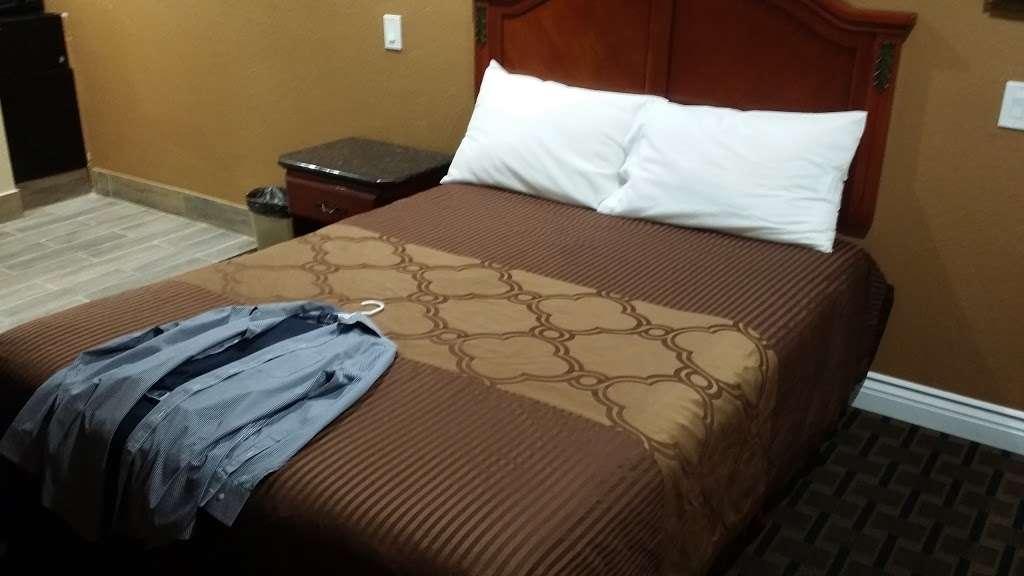 Tustin Motor Lodge - lodging  | Photo 2 of 10 | Address: 750 El Camino Real, Tustin, CA 92780, USA | Phone: (714) 544-5850