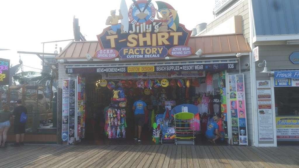 Jillys T-Shirt Factory, LLC - clothing store  | Photo 3 of 10 | Address: 762 Boardwalk, Ocean City, NJ 08226, USA | Phone: (609) 385-1234 ext. 2