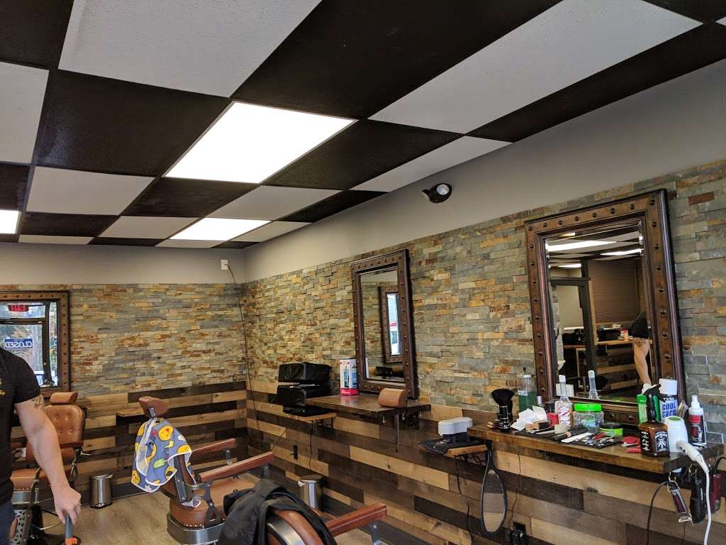 Danny's barbershop - hair care  | Photo 8 of 10 | Address: 150 S Main St, Newtown, CT 06470, USA | Phone: (203) 304-1632