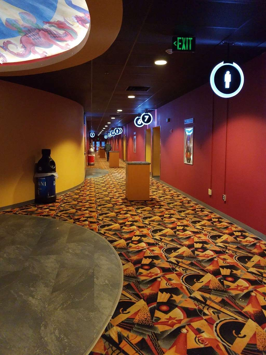 Cinemagic - movie theater  | Photo 3 of 10 | Address: 11 Executive Park Dr, Merrimack, NH 03054, USA | Phone: (603) 423-0240