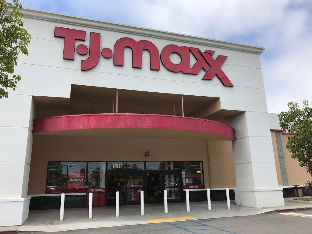 T.J. Maxx - department store  | Photo 9 of 10 | Address: 1401 Hawthorne Blvd, Redondo Beach, CA 90278, USA | Phone: (310) 214-3212