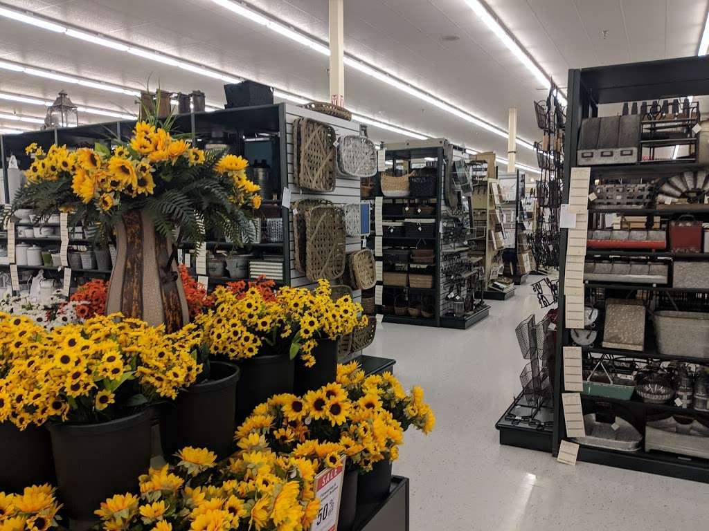Hobby Lobby - home goods store  | Photo 4 of 10 | Address: 1966 Prairie Center Pkwy, Brighton, CO 80601, USA | Phone: (303) 659-1000