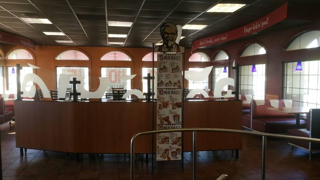 KFC - restaurant  | Photo 3 of 3 | Address: 5525 Royalton Rd, North Royalton, OH 44133, USA | Phone: (440) 237-9270