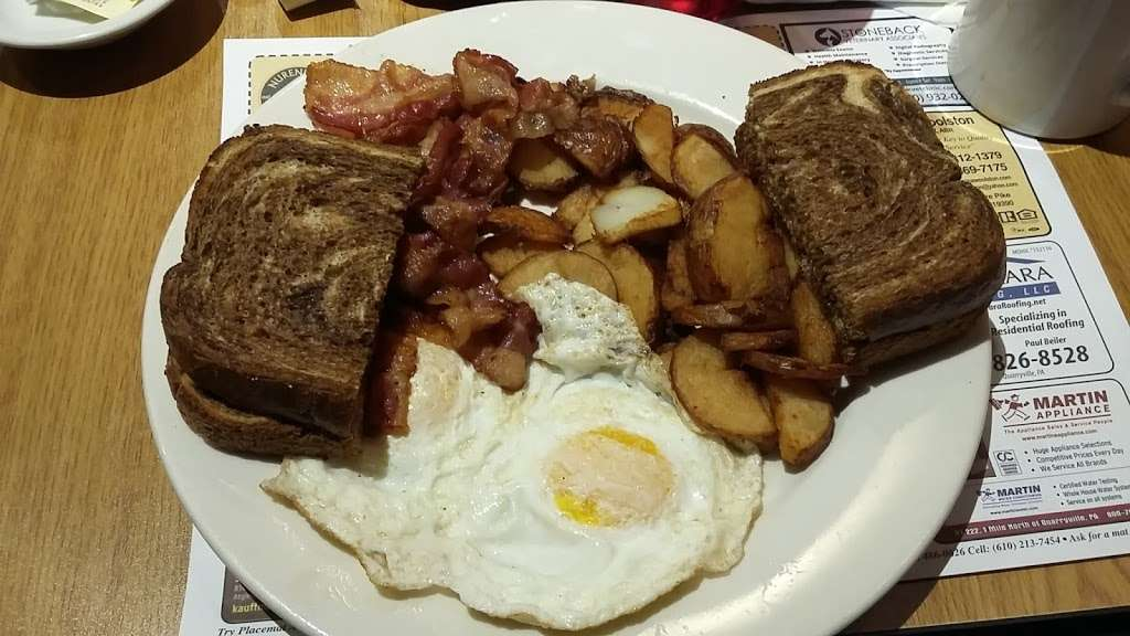 Corner Cafe - cafe  | Photo 5 of 10 | Address: 827A W Baltimore Pike, West Grove, PA 19390, USA | Phone: (610) 869-5557