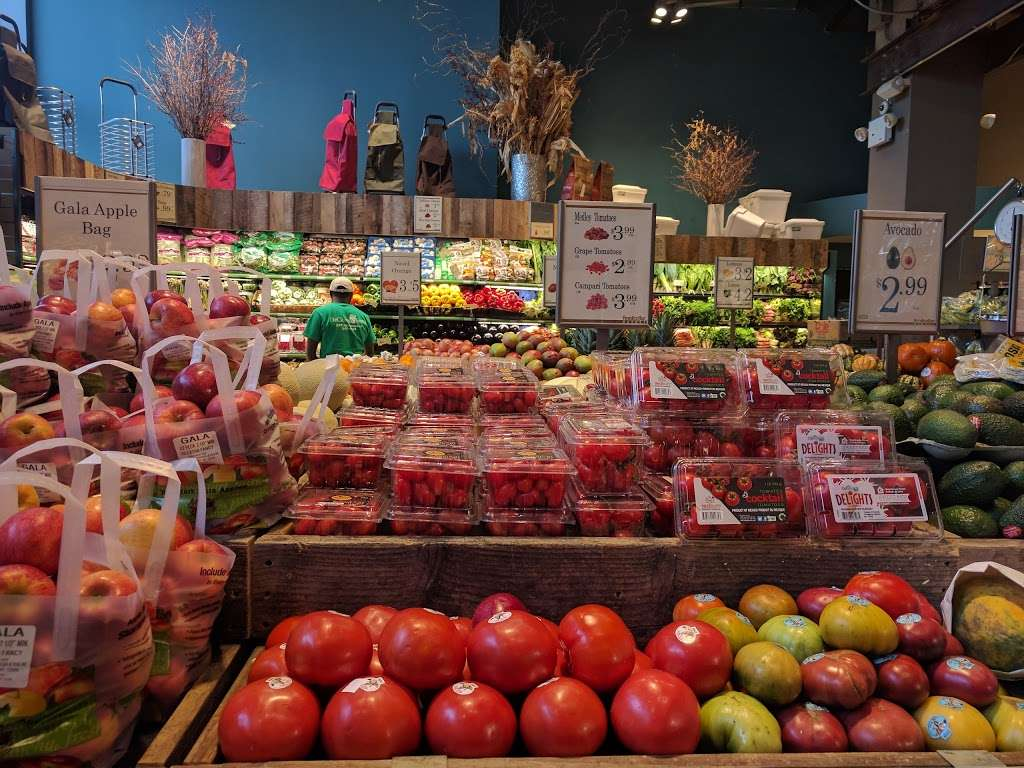 Foodcellar & Co. - supermarket  | Photo 10 of 10 | Address: 43-18 Crescent St, Long Island City, NY 11101, USA | Phone: (718) 606-1888