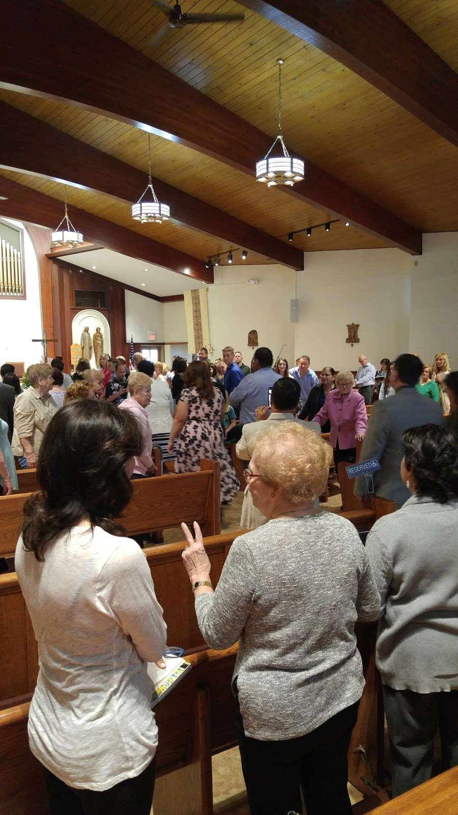 St. Margarets of Cortona Church - church  | Photo 3 of 10 | Address: 31 Chamberlain Ave, Little Ferry, NJ 07643, USA | Phone: (201) 641-2988