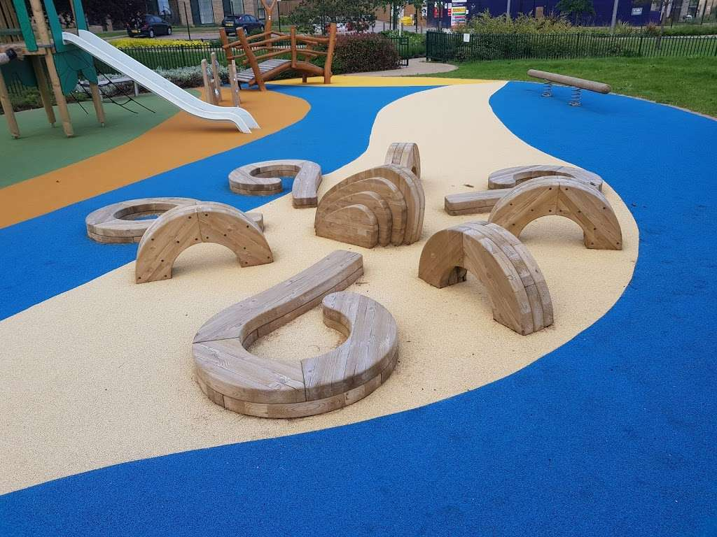 Panoramic Park - park  | Photo 4 of 10 | Address: Millbrook Park, London NW7 1RF, UK