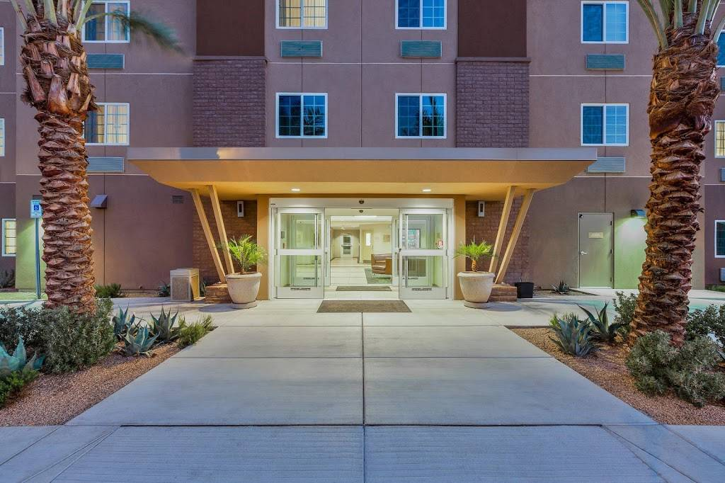 Candlewood Suites Tucson - lodging  | Photo 4 of 6 | Address: 1995 W River Rd, Tucson, AZ 85704, USA | Phone: (520) 373-5799