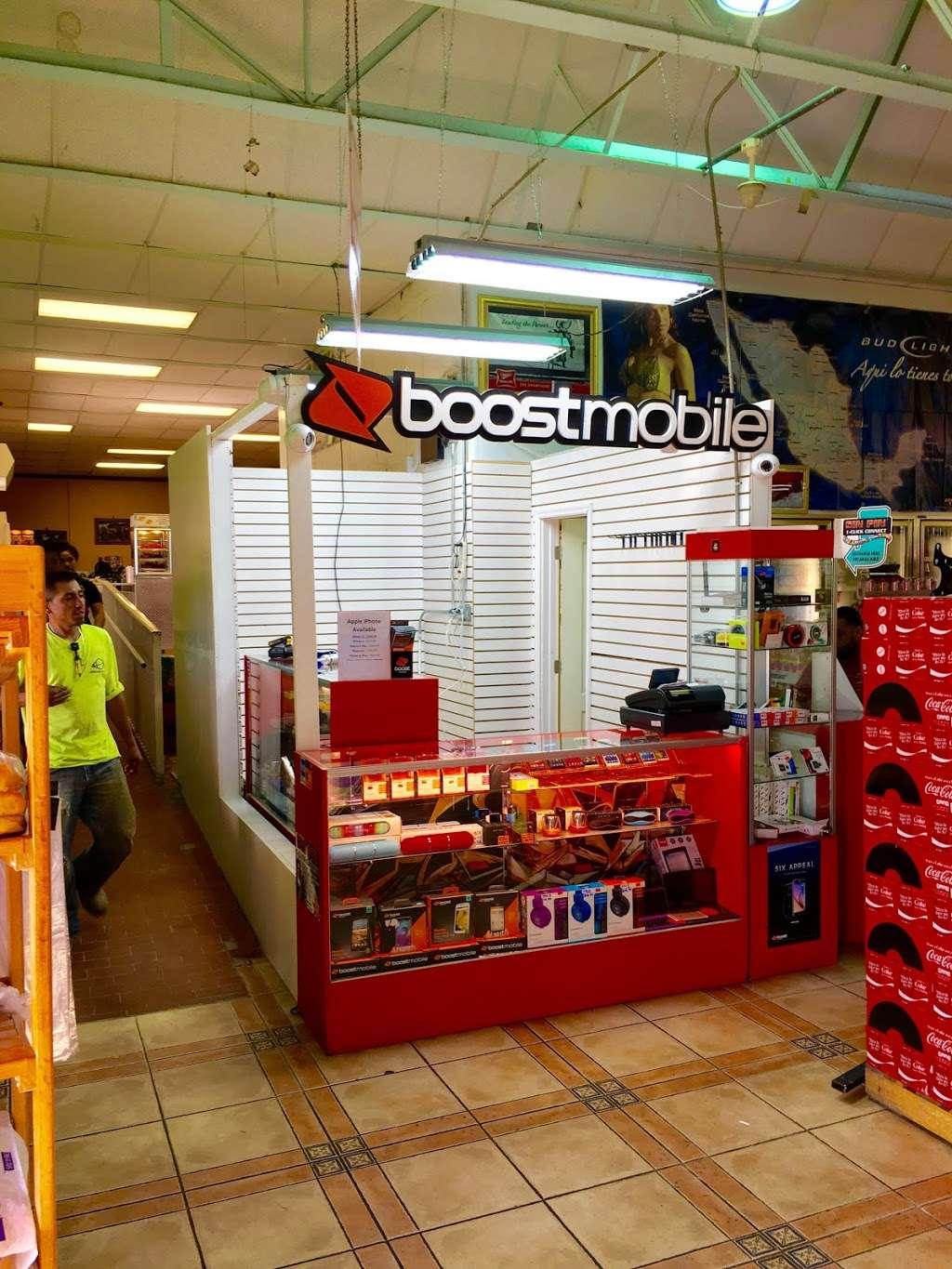 Boost Mobile - store  | Photo 2 of 10 | Address: 1425 S Main St, Belle Glade, FL 33430, USA | Phone: (561) 609-1014