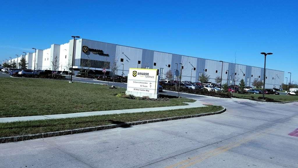 Amazon EWR4 - storage  | Photo 4 of 10 | Address: 50 New Canton Way, Robbinsville, NJ 08691, USA | Phone: (732) 979-7825