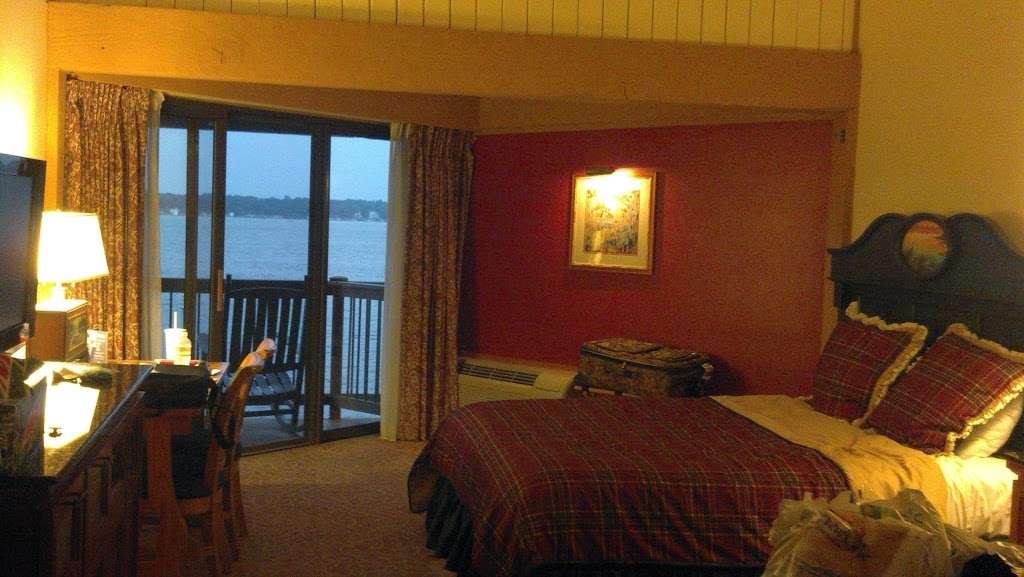Lake Lawn Resort - spa  | Photo 2 of 10 | Address: 2400 Geneva St, Delavan, WI 53115, USA | Phone: (262) 728-7950