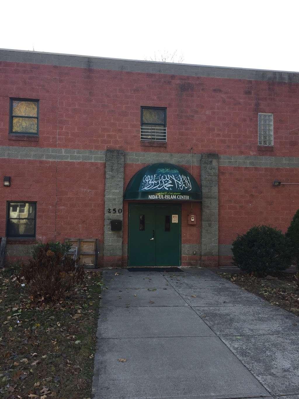 Nida-Ul-Islam - mosque    Photo 3 of 6   Address: 250 Hargreaves Ave, Teaneck, NJ 07666, USA   Phone: (201) 833-2162