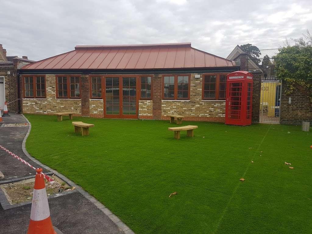 Telferscot Primary School - school  | Photo 1 of 10 | Address: Telferscot Rd, London SW12 0HW, UK | Phone: 020 8673 7362