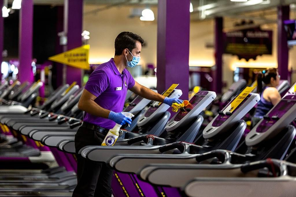 Planet Fitness - gym  | Photo 1 of 8 | Address: 60 Coon Rapids Blvd NW, Coon Rapids, MN 55448, USA | Phone: (763) 784-7677