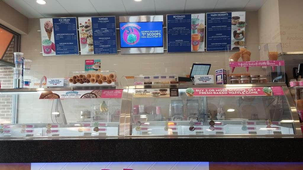 Baskin Robbins - store  | Photo 3 of 10 | Address: 699 Avalon Drive, Wood-Ridge, NJ 07075, USA