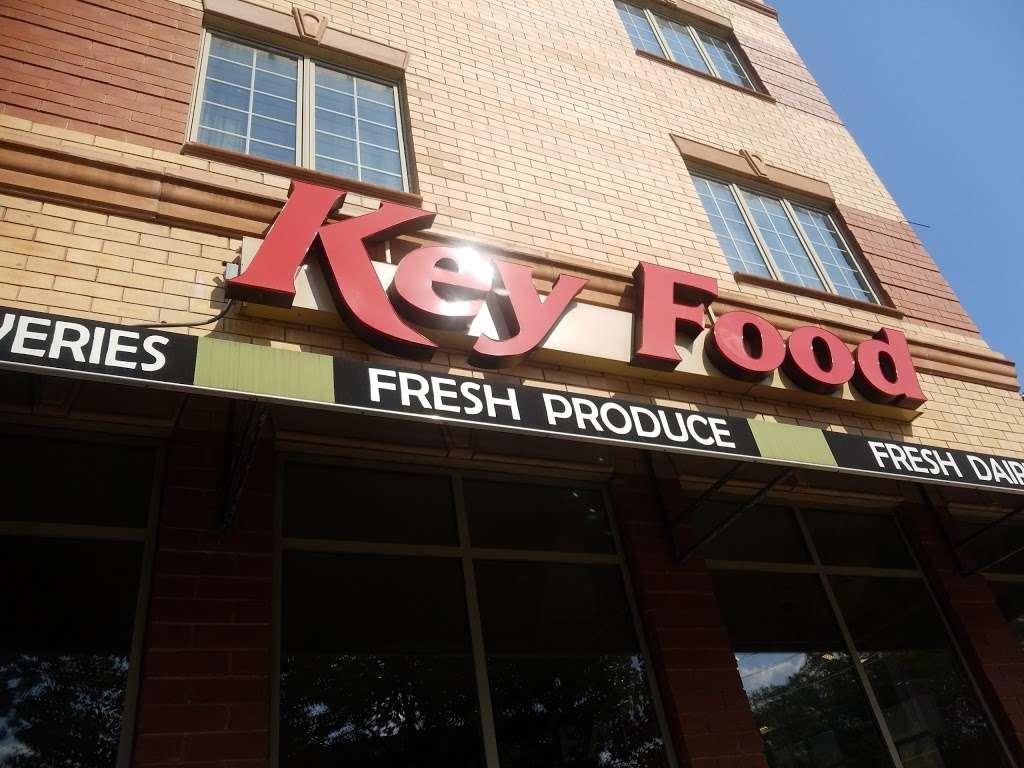 Key Food Supermarkets - supermarket  | Photo 4 of 10 | Address: 155 Bay St, Staten Island, NY 10301, USA | Phone: (718) 442-3537