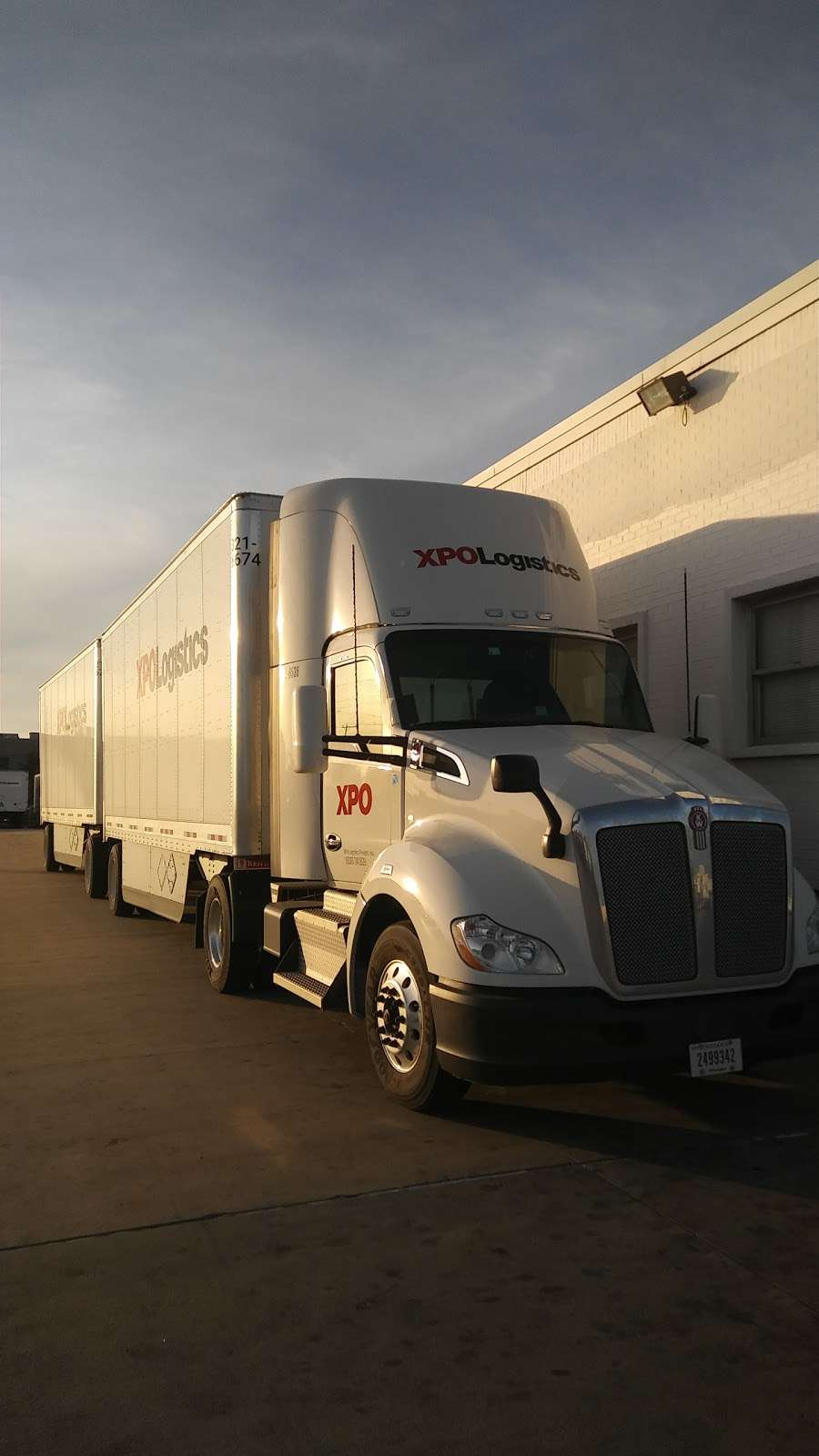 XPO Logistics - moving company  | Photo 3 of 10 | Address: 5020 Calvert St, Dallas, TX 75247, USA | Phone: (214) 631-5486