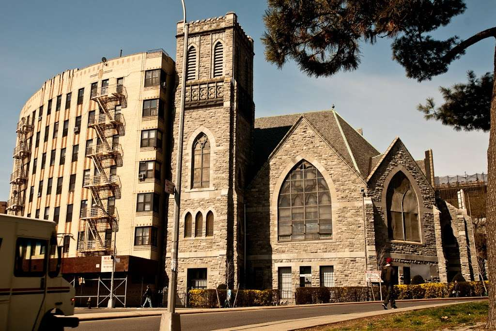 Tremont Baptist Church - church  | Photo 1 of 4 | Address: 324 E Tremont Ave, Bronx, NY 10457, USA | Phone: (718) 583-2620