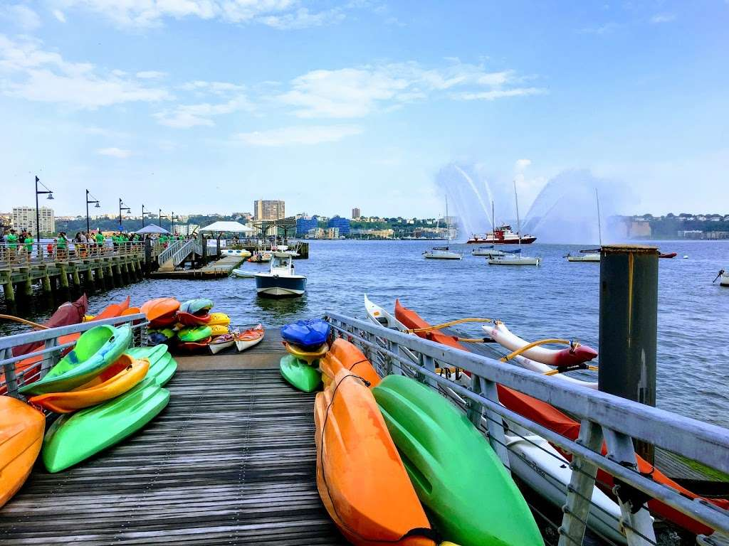 Hudson River Community Sailing - store  | Photo 2 of 10 | Address: 207 12th Ave, New York, NY 10001, USA | Phone: (212) 924-1920