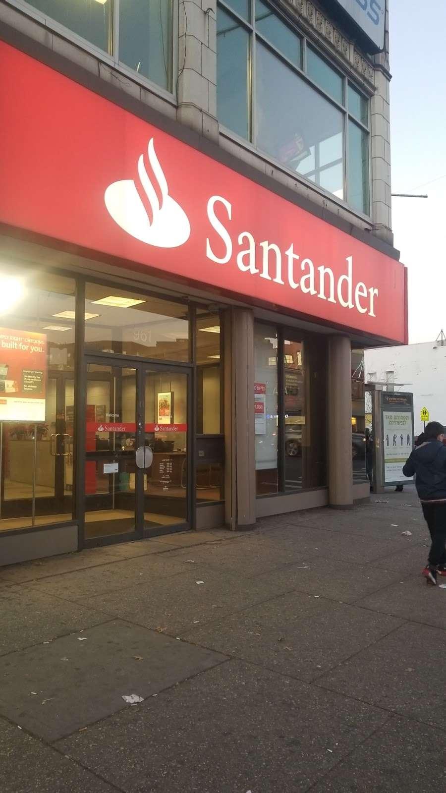 Santander Bank - bank  | Photo 10 of 10 | Address: 961 Kings Hwy, Brooklyn, NY 11223, USA | Phone: (718) 336-4713