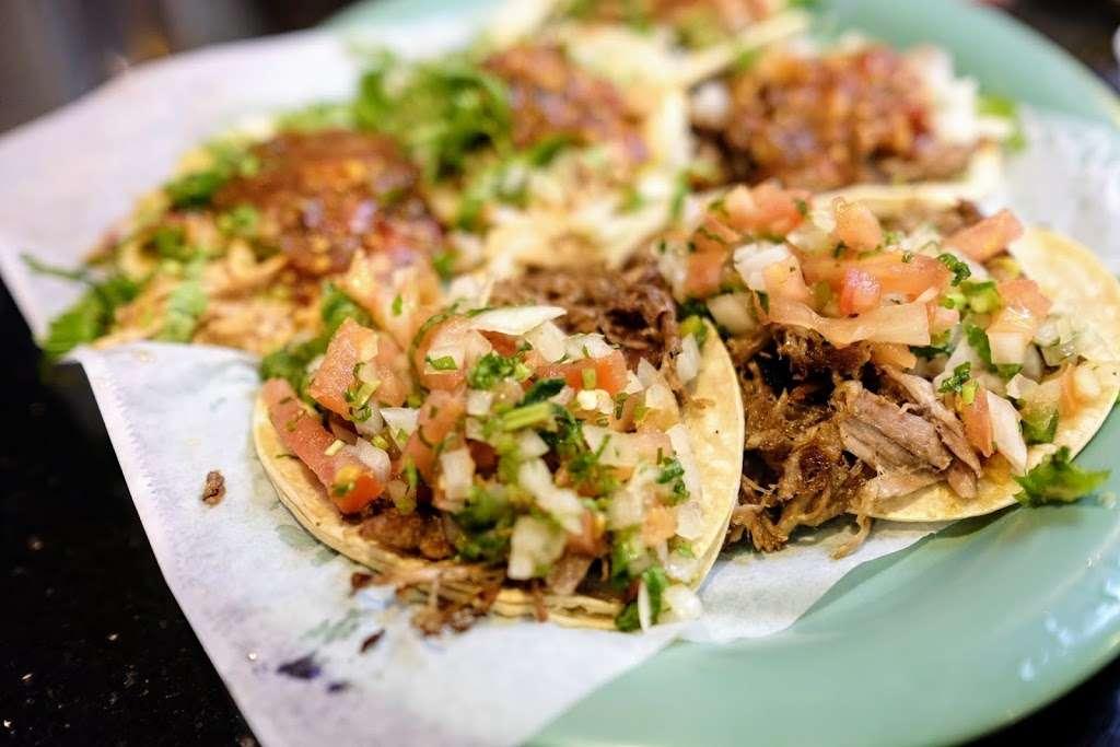 Tres Potrillos Taqueria - restaurant    Photo 2 of 10   Address: 670 N Fair Oaks Ave, Sunnyvale, CA 94085, USA   Phone: (408) 735-8657
