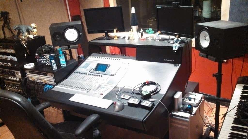 Iacon Sound Studios - electronics store    Photo 1 of 10   Address: 2469 Broadway, San Diego, CA 92102, USA   Phone: (619) 955-8295