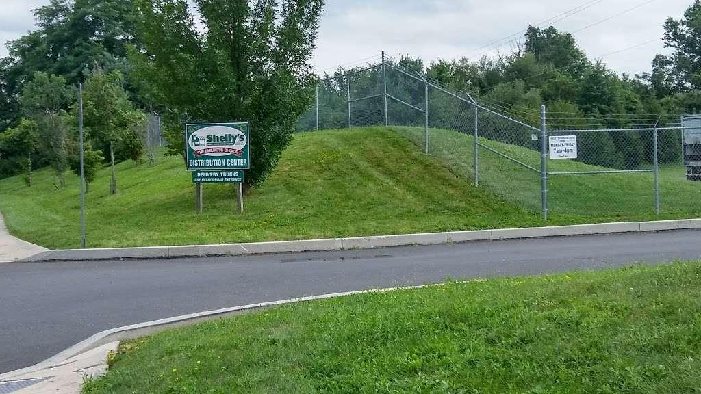 Shellys Distribution Center - Quakertown - store  | Photo 3 of 7 | Address: 1090 Walnut Bank Farm Rd, Quakertown, PA 18951, USA | Phone: (267) 733-0550
