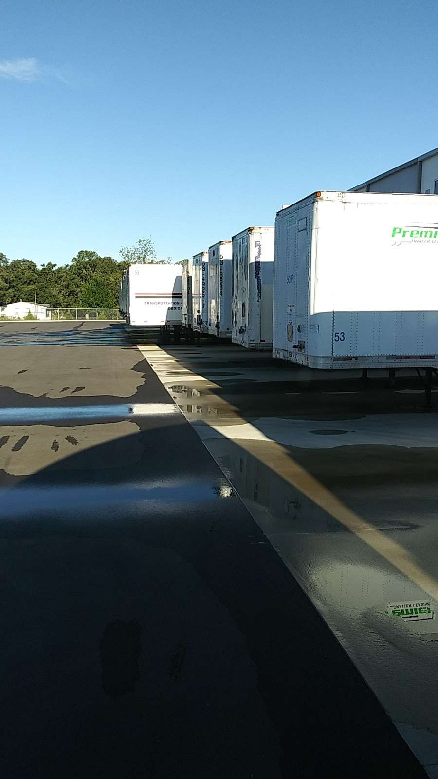 Best Buy Warehouse, Polk City - storage  | Photo 4 of 10 | Address: 8906 State Rd 33 N, Polk City, FL 33868, USA