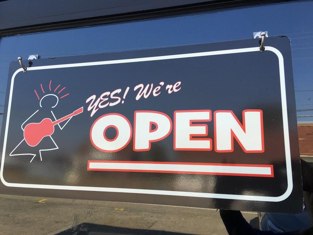 Guru Guitars - electronics store  | Photo 6 of 7 | Address: 5221 Hillsborough St, Raleigh, NC 27606, USA | Phone: (919) 833-6607