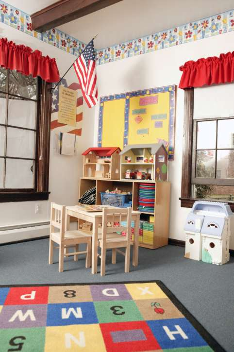Santanas Learning Child Care | Day Care Center | Child Day Care - school  | Photo 3 of 10 | Address: 12806 Norris Ave, Sylmar, CA 91342, USA | Phone: (818) 276-0050