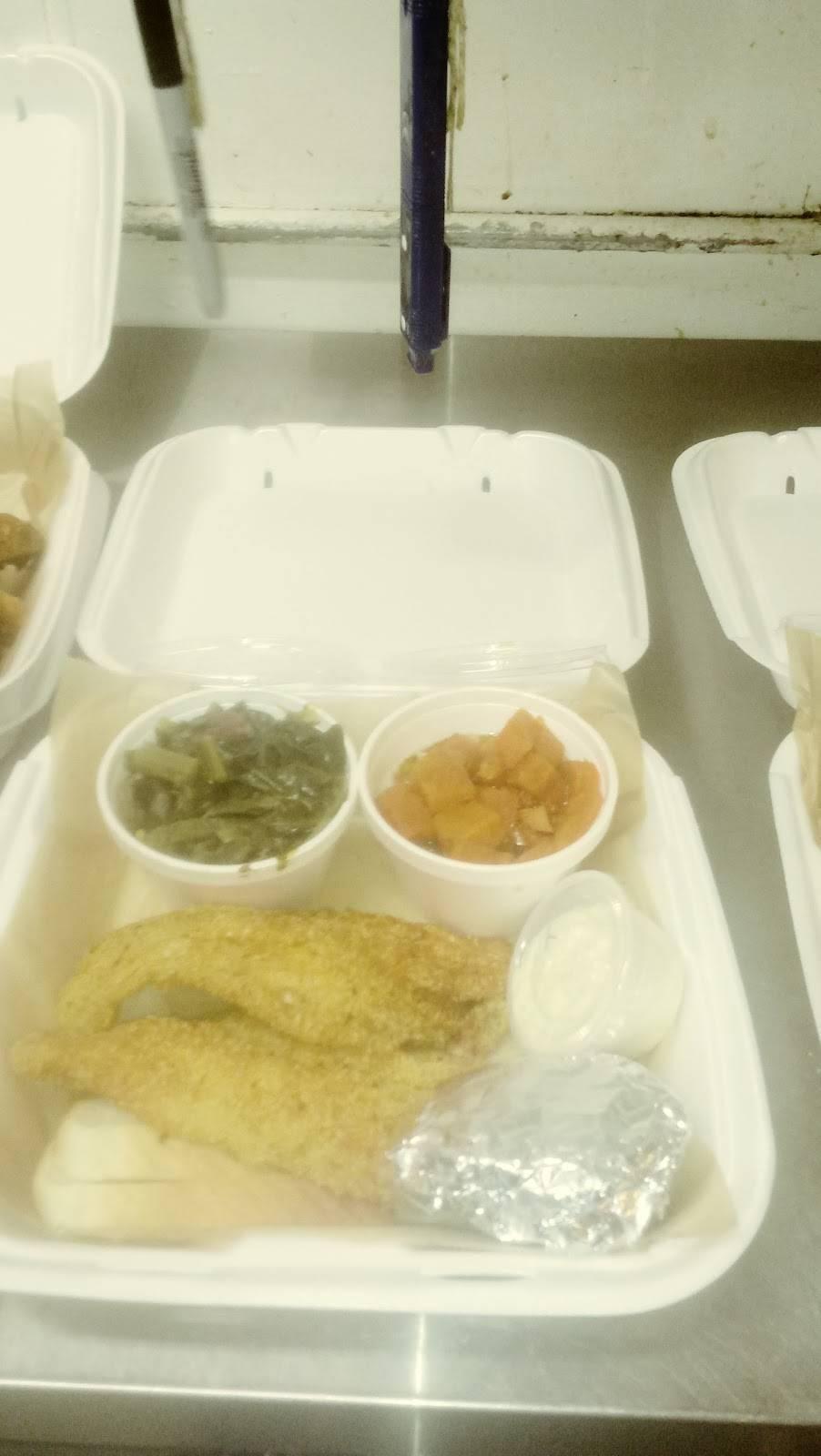 The Blazing Chicken Shack II - restaurant  | Photo 6 of 10 | Address: 5560 E 33rd Ave, Denver, CO 80207, USA | Phone: (720) 596-4501